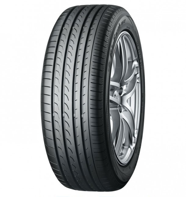 Летняя шина Yokohama BluEarth RV-02 235/50 R18 97V