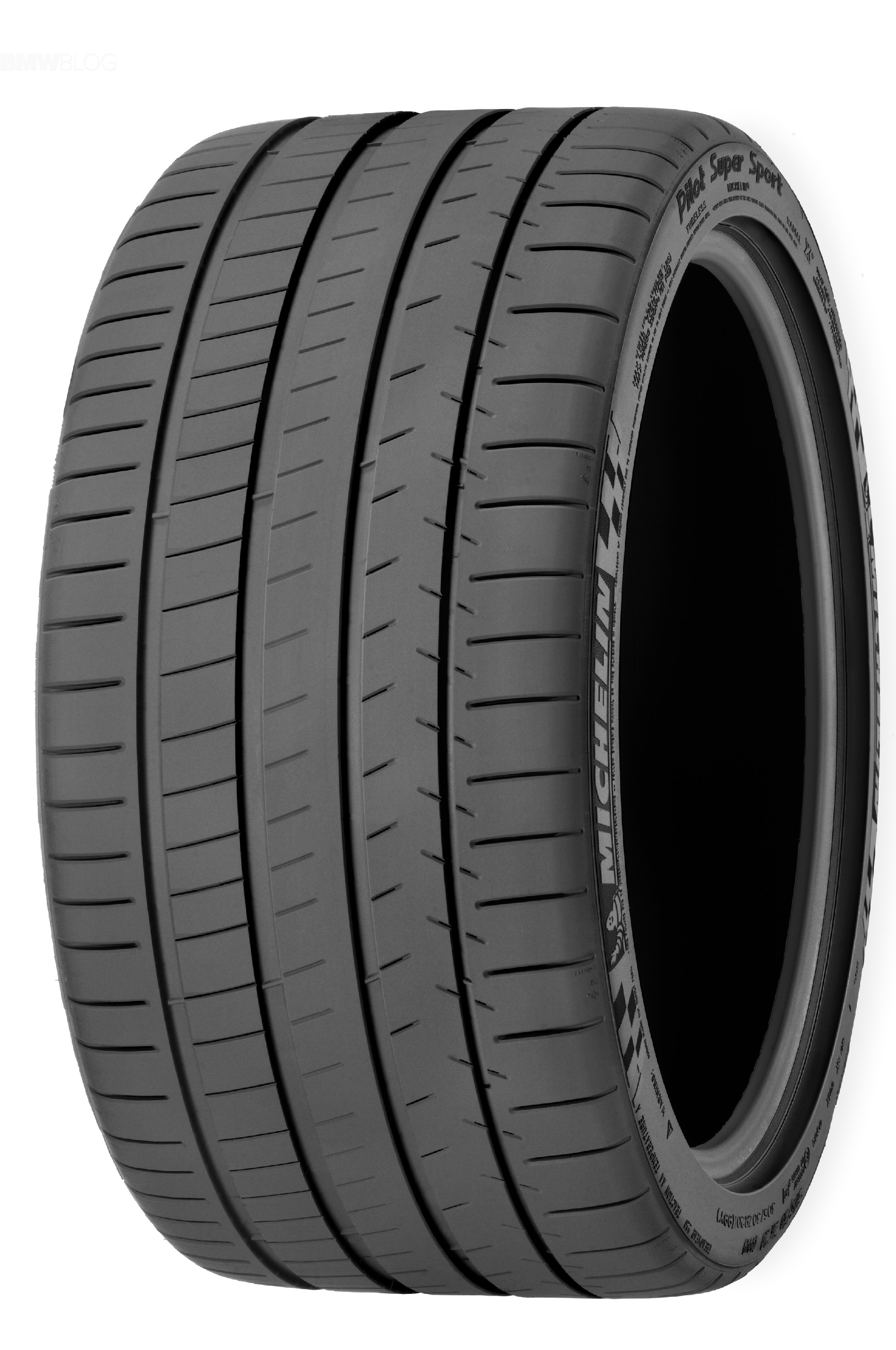 Летняя шина Michelin Pilot Super Sport 245/40 R20 93Y